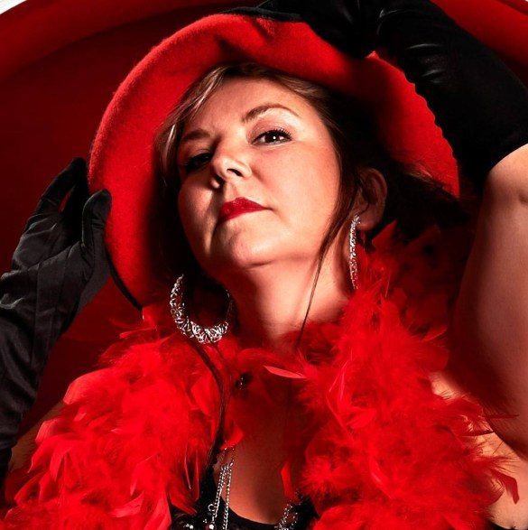 Janie Renée sera de passage à Toronto la semaine prochaine.