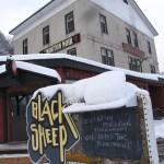 Le Black Sheep Inn invite les passants