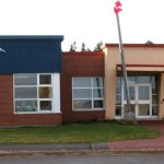 En 2000, suite à une poursuite financée par le Programme de contestation judiciaire, la Cour suprême du Canada a statué que le nombre de francophones à Summerside y justifiait l'ouverture d'une école.