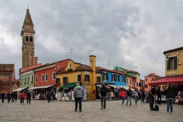 La grand-place de Burano.