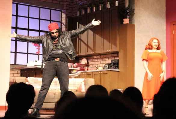 Pas facile de se débarasser du rocker dans Femme cherche homme désespérément au Théâtre Étienne Brûlé. (Photo: Nathalie Prézeau)