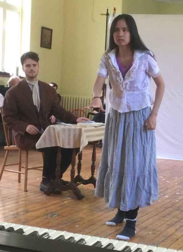 Répétition des Misérables avec Benjamin Muir et Maddie Bautista.