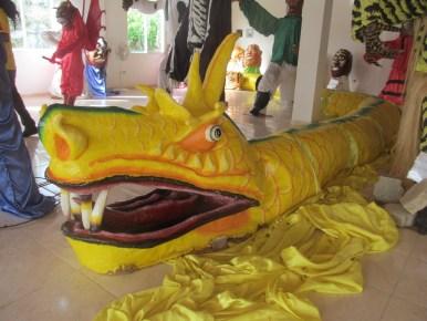 Exposition de masques, costumes et personnages au Centre d'interprétation du Carnaval de Jacmel.