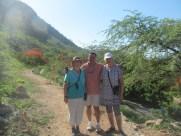 Annik Chalifour (à droite) avec Claire Binet, bénévole du RENAPROTS, et Rudolf Dérose, coordonnateur du RENAPROTS.