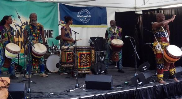 Le djembéiste Amara Kanté et ses musiciens clôturent cette troisième journée de festival