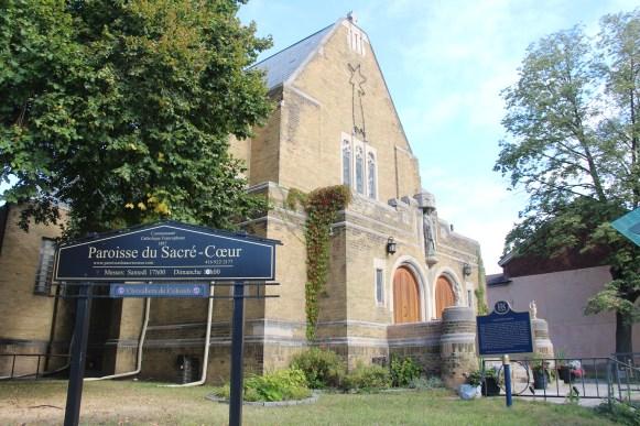 L'église du Sacré-Coeur à l'angle des rues Carlton et Sherbourne à Toronto.