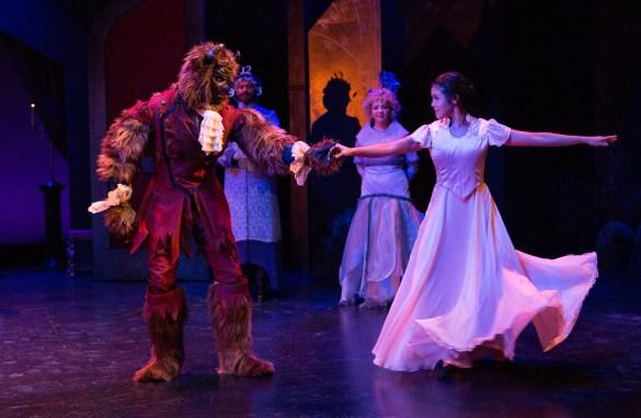 Beauty and the Beast au YPT (Stewart Adam McKensy et Celine Tsai)
