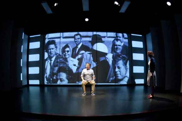 AmericanDream.ca exploite le théâtre, la vidéo et le mouvement. (Photo: Marianne Duval)
