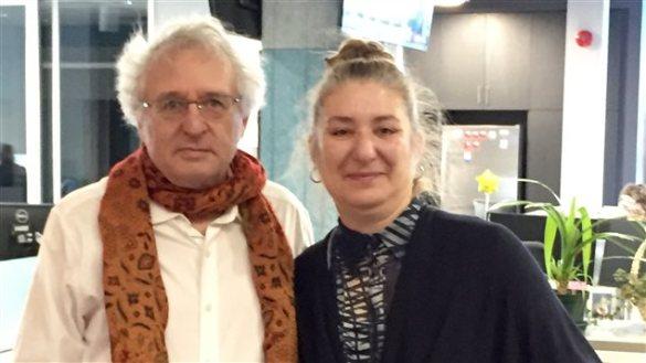 Simon Laflamme, professeur titulaire au département de Sociologie de l'Université Laurentienne, et Julie Boissonneault, professeure agrégée au département de Français. (Photo: Josée Perreault)