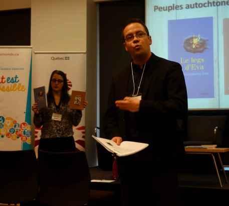Frédéric Brisson, directeur général du REFC, a parlé de littérature autochtone.