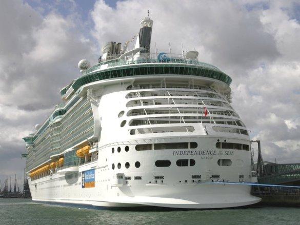 L'Independence of the Seas navigue sous la bannière des Bahamas.