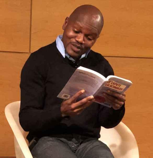 Blaise Ndala lit un extrait de son roman