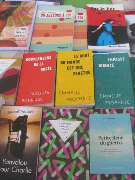 Quelques-unes des oeuvres exposées au Salon international du Livre de Jacmel
