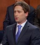 Chris Wilson dans le rôle de Mark Zukerberg, le patron de Facebook.