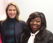 Léonie Tchatat avec la ministre Caroline Mulroney l'an dernier.