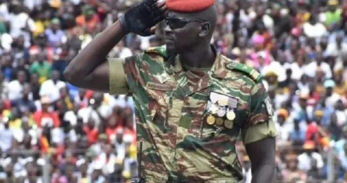 Coup d'État en Guinée : ce qu'il faut savoir sur Mamady Doumbouya, l'auteur du putsch