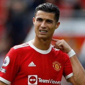 Coup dur pour Cristiano Ronaldo : le footballeur zappé dans ce classement du top 5 des meilleurs joueurs de tous les temps