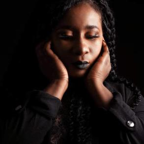 Togo/Musique : Victoire Biaku surprend ses fans avec cette nouvelle vidéo
