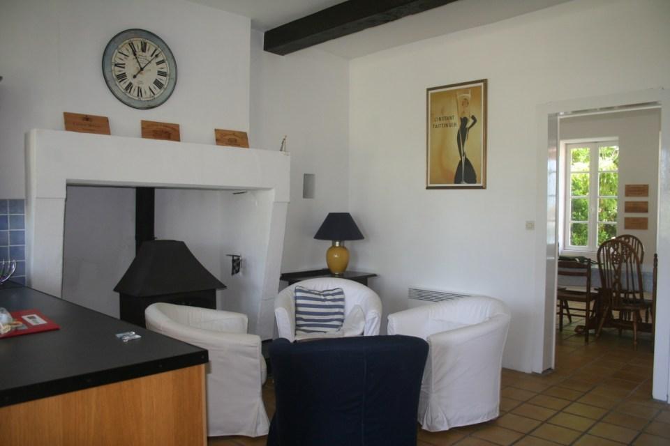 Rose Maison De Vacances Dans Mortagne Sur Gironde