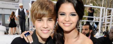 Justin Bieber, Selena Gomez. Foto oleh Kevin Mazur / WireImage