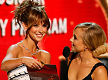 Presenters Jennifer Love Hewitt and Hayden Panettiere (Mathew Imaging/WireImage)