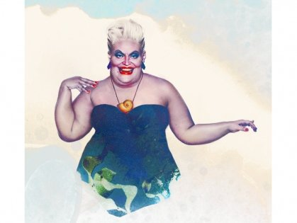 "Ursula the sea witch from ""The Little Mermaid"" was based on the actor/drag queen Divine. We can see the resemblance!"