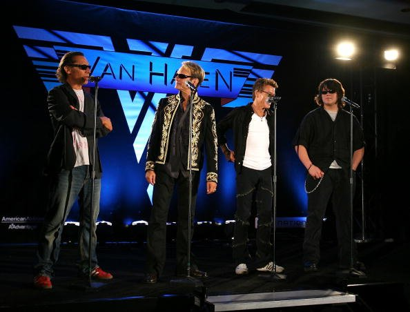 Alex Van Halen, David Lee Roth, Eddie Van Halen dan Wolfgang Van Halen (Foto: Michael Buckner/Getty Images)
