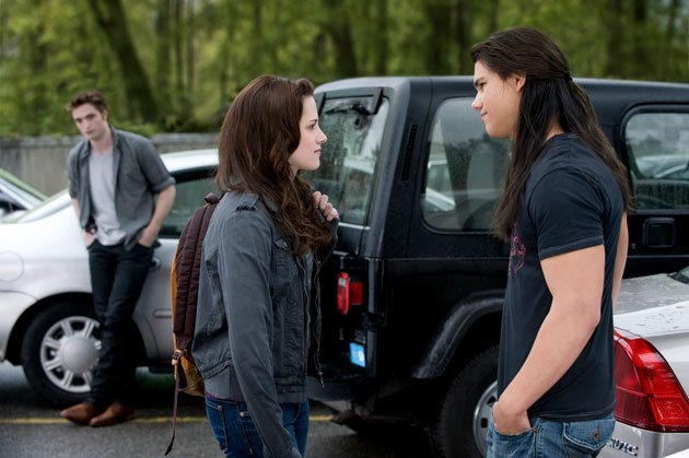 Twilight Sexiest Moments: The famous Edward/Jacob/Bella love triangle begins.