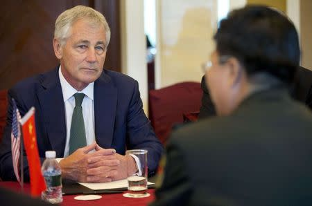 Hagel meets Wang in Singapore