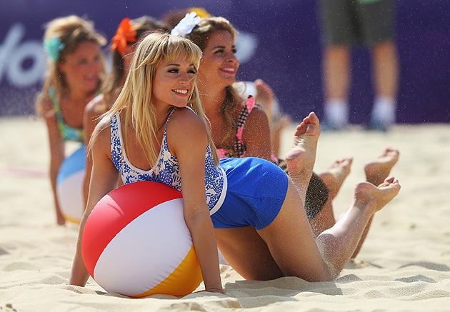 beach volleyball cheerleaders olympics 2012
