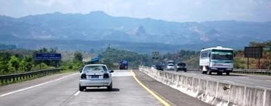 Jalan tol Cipularang (Foto: Inilah)
