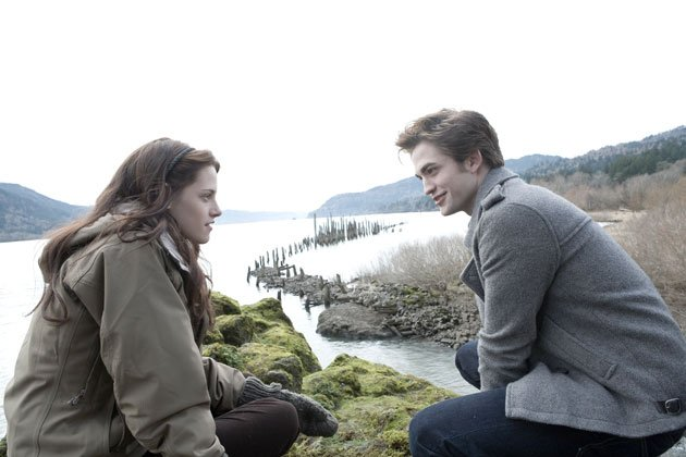 Twilight Sexiest Moments: Bella and Edward's eyes lock in the first Twilight film