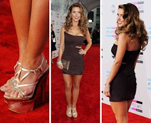 Audrina Patridge arrives at the 2011 American Music Awards