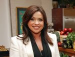 Rachael Ray donates $500,000, food to Sandy pets
