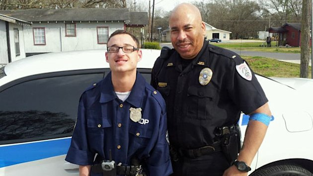 Louisiana Police Officer Makes Mentally Disabled Teen's Dream Come True (ABC News)