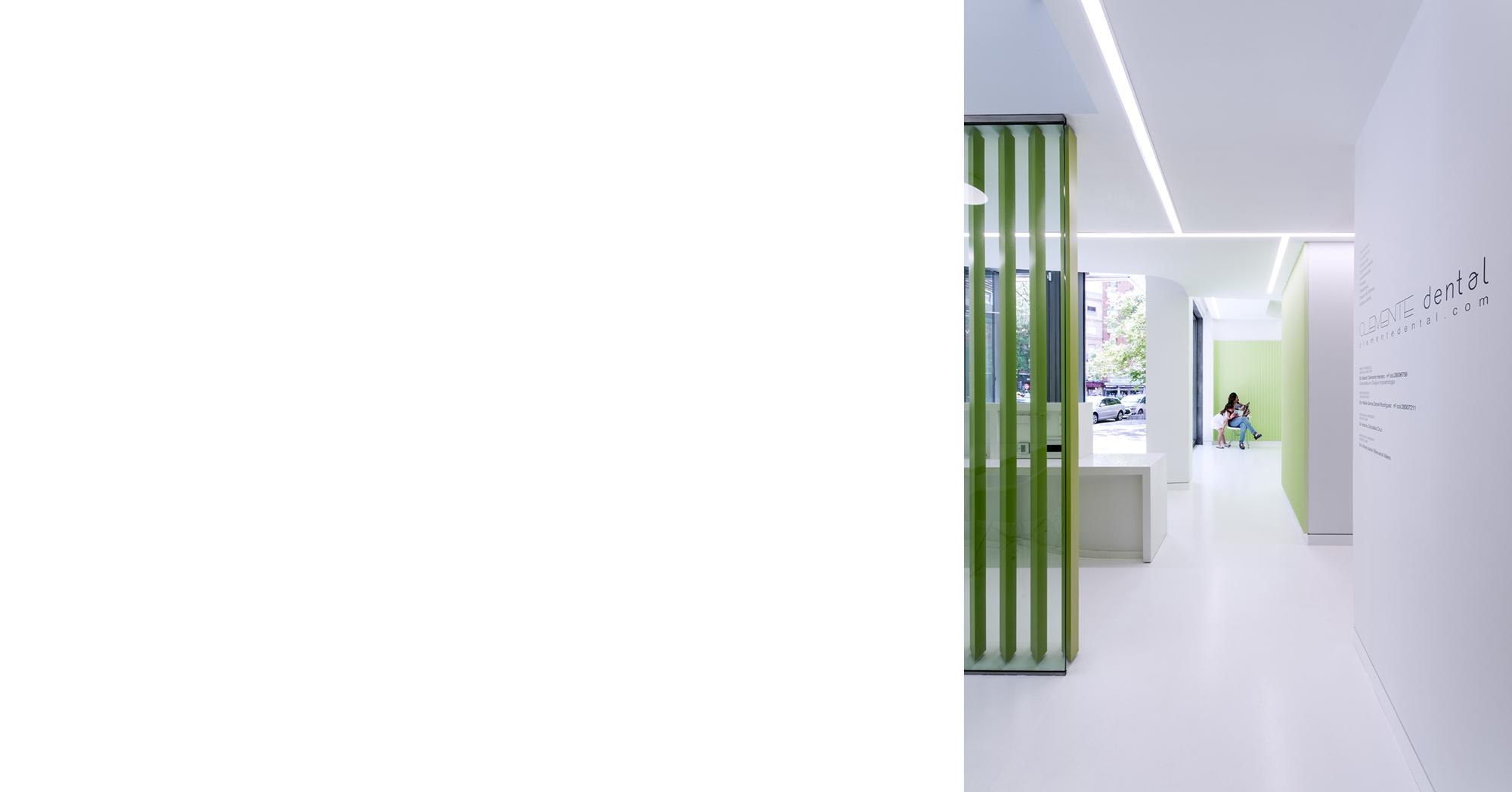 CLINICA CLEMENTE dental - LANDÍNEZ+REY arquitectos - arquitectura retail - corredor