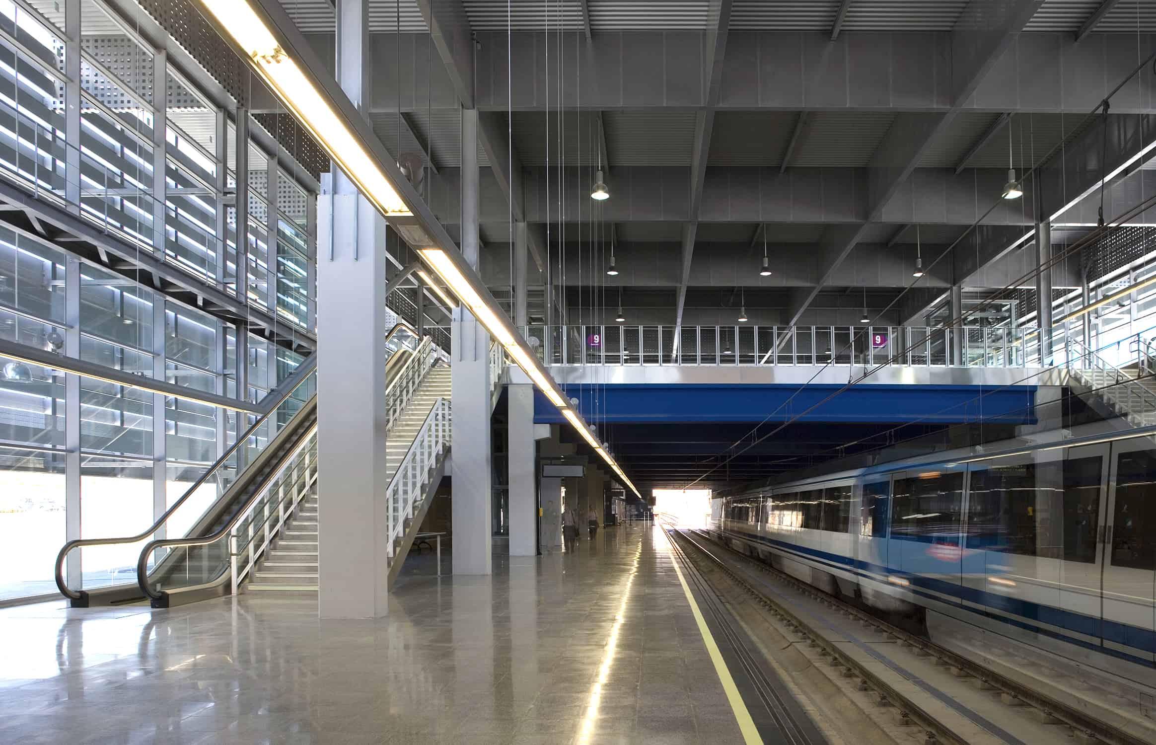 arquitectura transporte - Interior Estación METRO de MADRID_LGV+LANDINEZ+REY | equipo L2G arquitectos, slp [ eL2Gaa ]