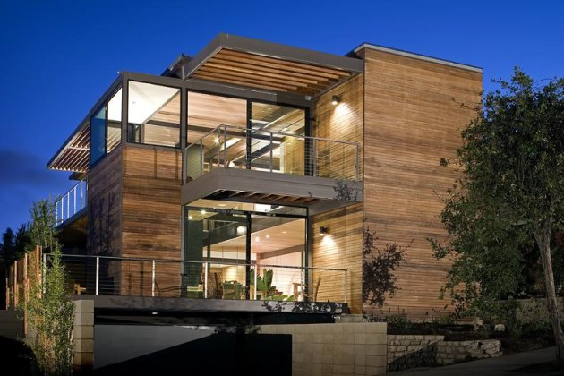 Click the photo to see Kiplinger's guide to buying a prefab house. (Photo credit: LivingHomes.net)