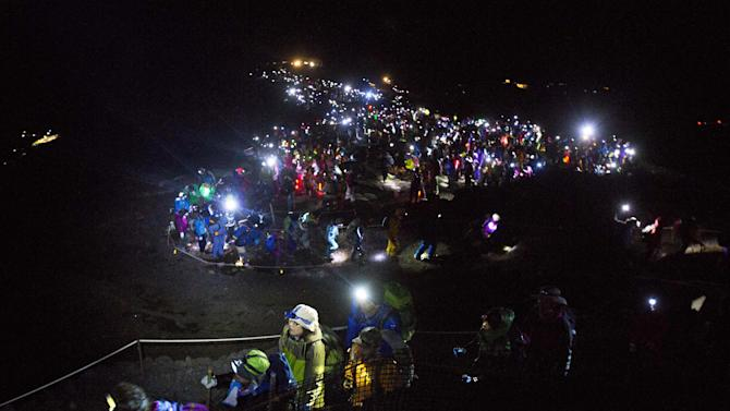night hiking fuji