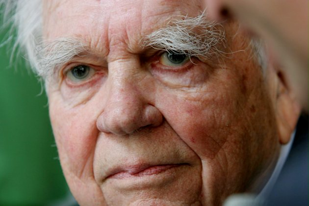 "andy rooney vietnam war essay pbs Andy rooney, the lovably grouchy commentator for ""60 minutes"" on cbs, dies at  92  air another of his specials, ""an essay on war,"" mr rooney quit the network   states went into vietnam,"" wrote mr rooney, who had served in world war ii   he then took a job at pbs, where the piece eventually aired."