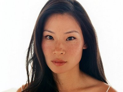 Lucy Liu apologises over Filipino remarks