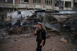 Assad forces continue battle with Syrian rebels