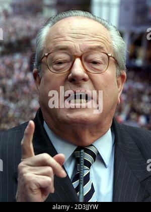 Jean Marie Le Pen Chirac : marie, chirac, French, Extreme-right, Presidential, Candidate, Jean-Marie, Speaks, During, Electoral, Rally, Paris, April, 2007., Yesterday, Intelligence, Services, Denied, Reports, Secret, Illegal, Research, Operation
