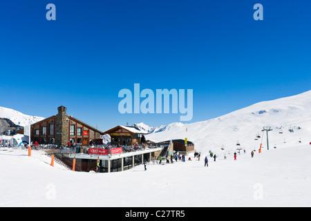 buy ski lift chair zero gravity lounge chairs costa rodona mountain restaurant, pas de la casa, grandvalira stock photo: 35823110 - alamy