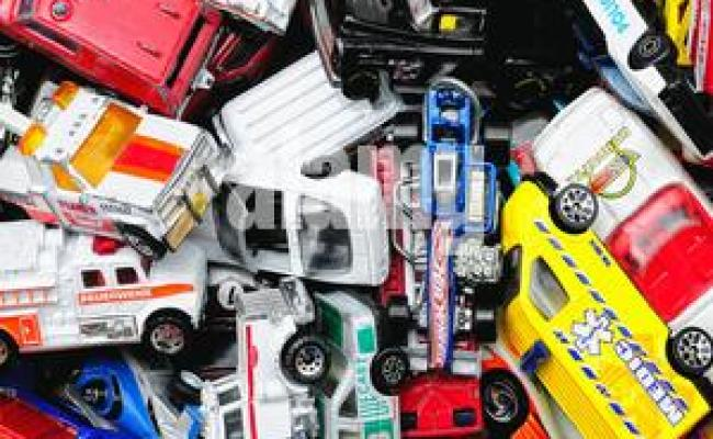 Second Hand Children S Toys On Sale At Car Boot Sale Uk