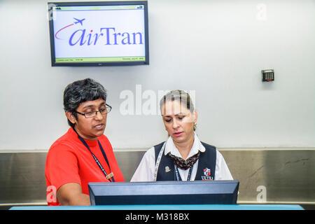 Miami Florida Airport ticket counter Air Canada check in Stock Photo: 7406518 - Alamy