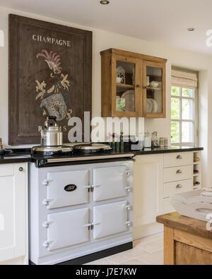 Modernes Bauernhaus Küche mit AGA-Herd Stockfoto, Bild: 39418997 - Alamy