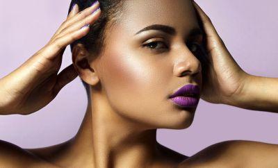 Peau foncée : Maquillage pour avoir un teint éclatant