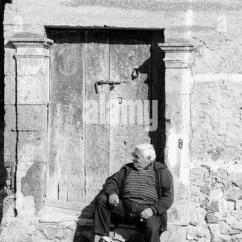 Electric Chair For Stairs In India Modern Outdoor Lounge Canada Door Step Black And White Stock Photos & Images - Alamy