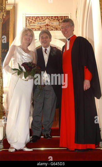 https://i0.wp.com/l7.alamy.com/zooms/0fbad43f88c54330b01282dd915bd584/john-bercow-wedding-g645d3.jpg
